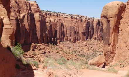 Exciting off road drive Canyonlands